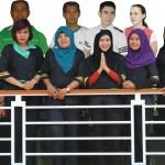 Staff dan instruktur Captain's Club sekolah-kapal-pesiar
